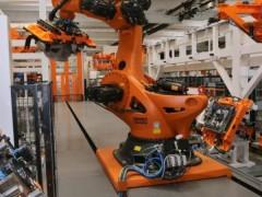 现代机器人可以替代德国工业中多达30万个工作岗位